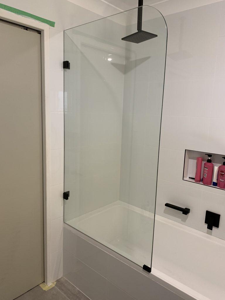Frameless Bath panel